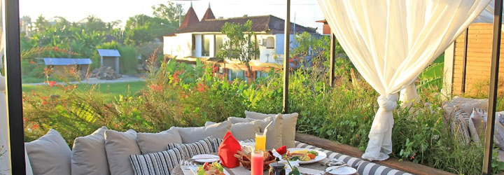 Job Available at Berry Amour Romantic Villas